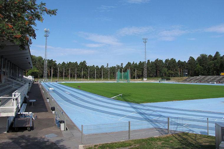 Kimpisen yleisurheilustadion on tunnettu sinisestä mondo-pinnoitteestaan.
