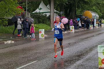 Aki Nummela hyvässä vauhdissa maratonilla
