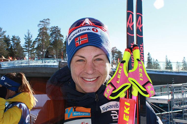 Astrid Jacobsen yli kauden 2007-2008 maailmancupissa parhaimmillaan yli 200 pistettä Virpi Kuitusta edellä.