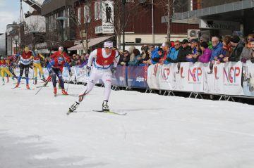 Falunissa hurjatasoinen FIS-kisa - Ebba Andersson päihitti Charlotte Kallan
