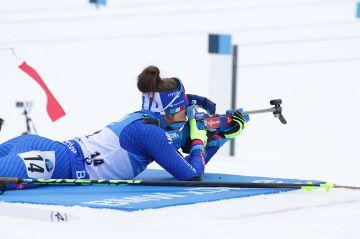Ampumahiihdon MM: Yhteislähtökisa Dorothea Wiererin juhlaa - Mäkäräisen mitalitaistelu päättyi viimeisen pystyn neljään sakkoon