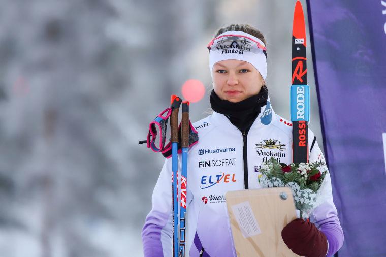 MM-hopeaa! Eveliina Piippo hiihti upeasti toiseksi nuorten MM-hiihtojen sekuntitaistelussa!