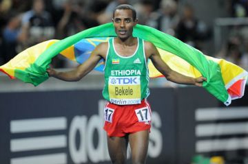 Ikä ei paina juoksuratojen ME-legendaa – tykitti maratonilla kaikkien aikojen kakkosajan