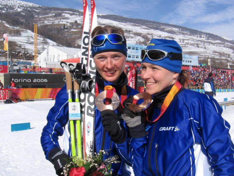 Mitalisadetta vuodesta 1954 alkaen - katsaus Suomen naisten suorituksiin MM-hiihtojen historiassa