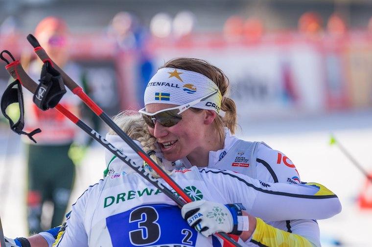 Ruotsin Ida Ingemarsdotter (oik.) ja Maja Dahlqvist ovat keränneet menestystä sprinteistä. Kuva: Steffen Prößdorf [<a href='https://creativecommons.org/licenses/by-sa/4.0'>CC BY-SA 4.0</a>]