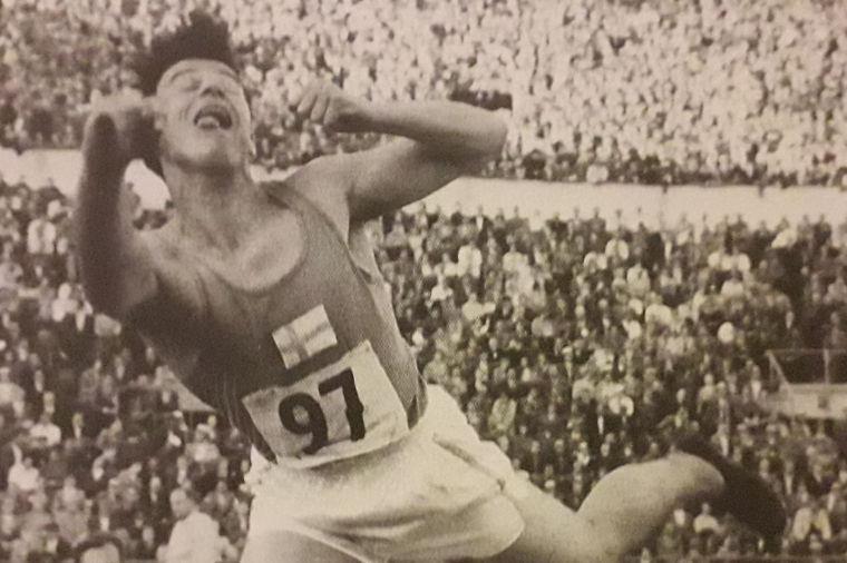 Matti Yrjölä ja Seppo Simola pitivät Suomen ennätystä pilkkanaan Ruotsi-ottelussa 50 vuotta sitten