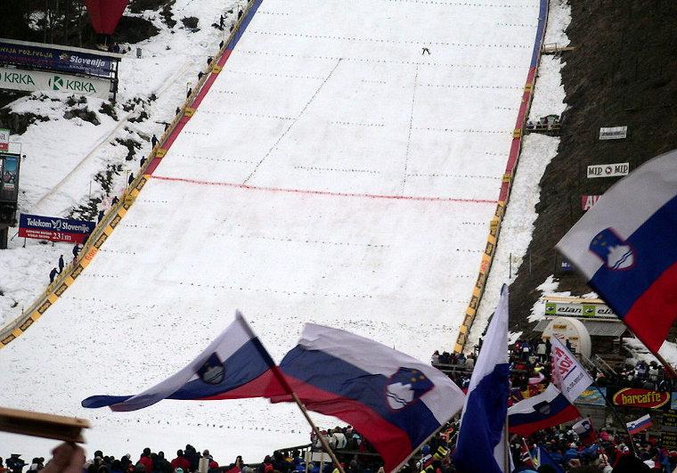 Lentomäen MM-kisat Planicassa huipentuvat sunnuntain joukkuekisaan