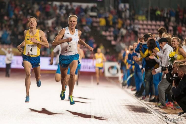 Topi Raitanen ratkaisi Suomen miesten 2018 Ruotsi-otteluvoiton jumalaisella loppukirillään ottelun päättäneellä 1500 m matkalla . Ruotsin Kalle Berglund oli aseeton hyvästä yrityksestä huolimatta.
