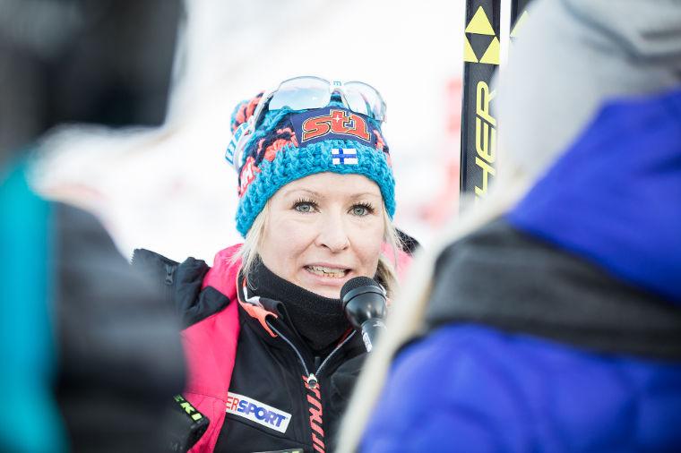 42-vuotias Riitta-Liisa Roponen rykäisi poikkeuksellisen suorituksen – yli nelikymppiset juhlineet todella harvoin MM-kisoissa
