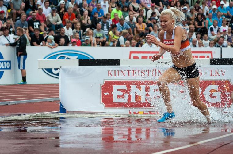 Sandra Eriksson on voittanut Kalevan kisoissa peräti 10 peräkkäistä mestaruutta 3000 metrin esteissä vuosina 2007-2016. Kuva vuoden 2018 Kalevan kisoista Jyväskylästä, jossa Eriksson joutui tyytymään hopeamitaliin.
