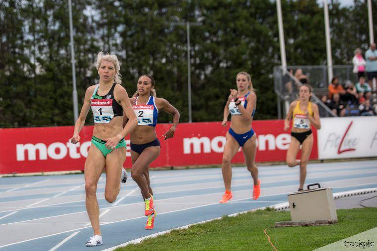 Päivä 2: Jatkaako Sara Kuivisto hurjaa menoaan 800 m välierissä lauantaina? Myös planeetan nopein nainen selviää Tokiossa